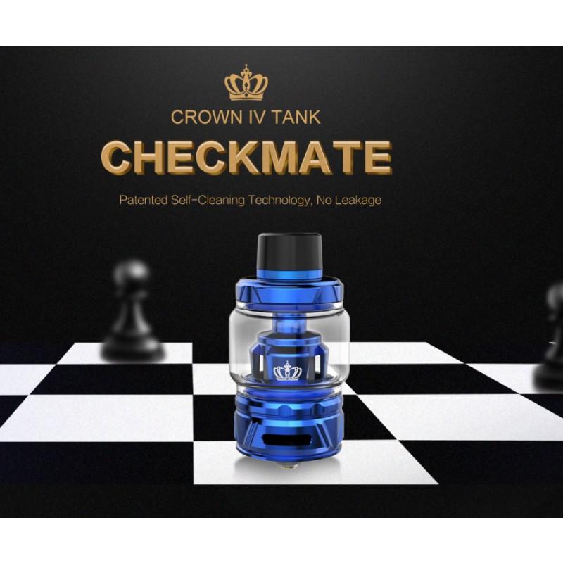Uwell Crown 4 Ansicht auf Schachbrett